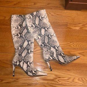 Steve Madden Knee High Boots - BRAND NEW😍